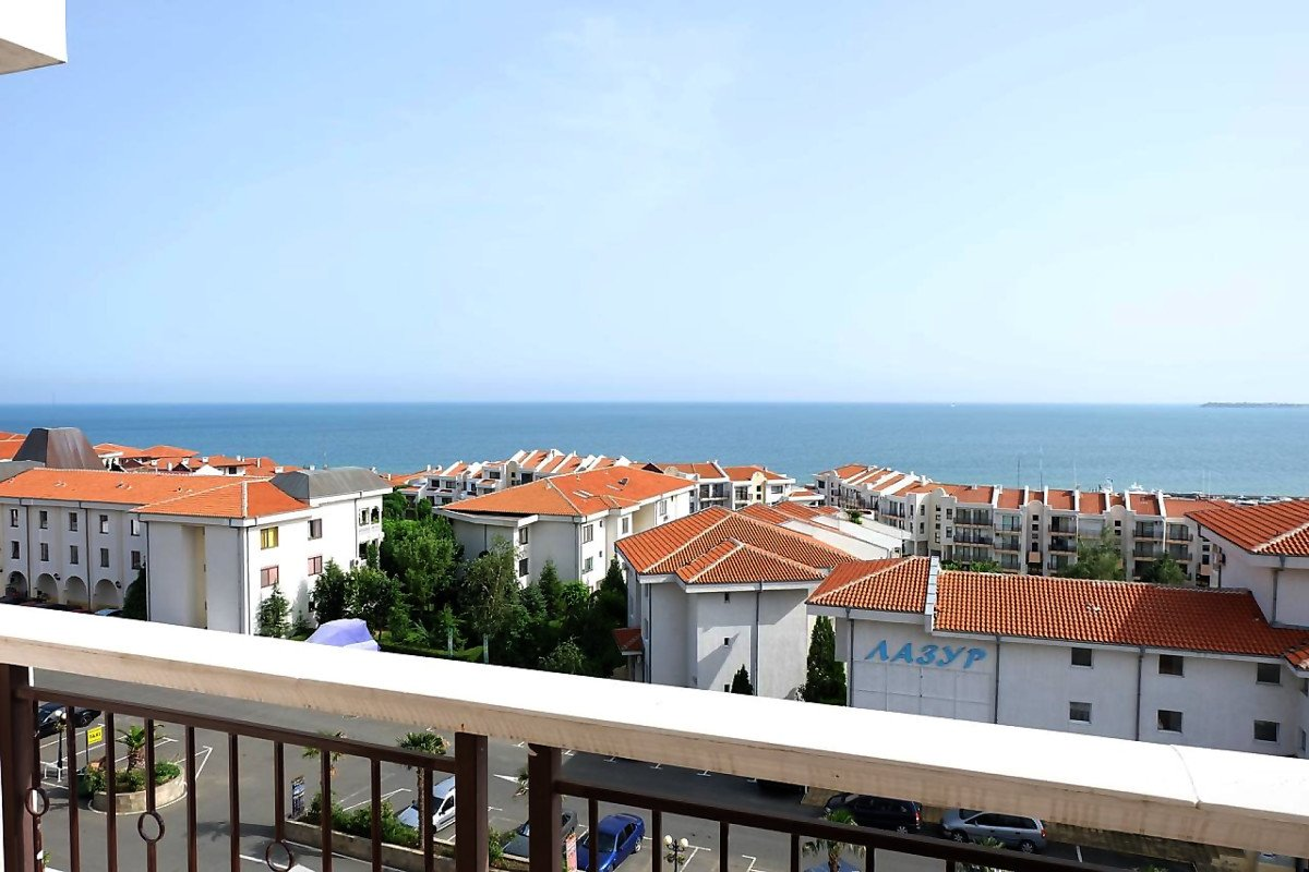 For Sale: Amazing apartment with sea view and a huge balcony