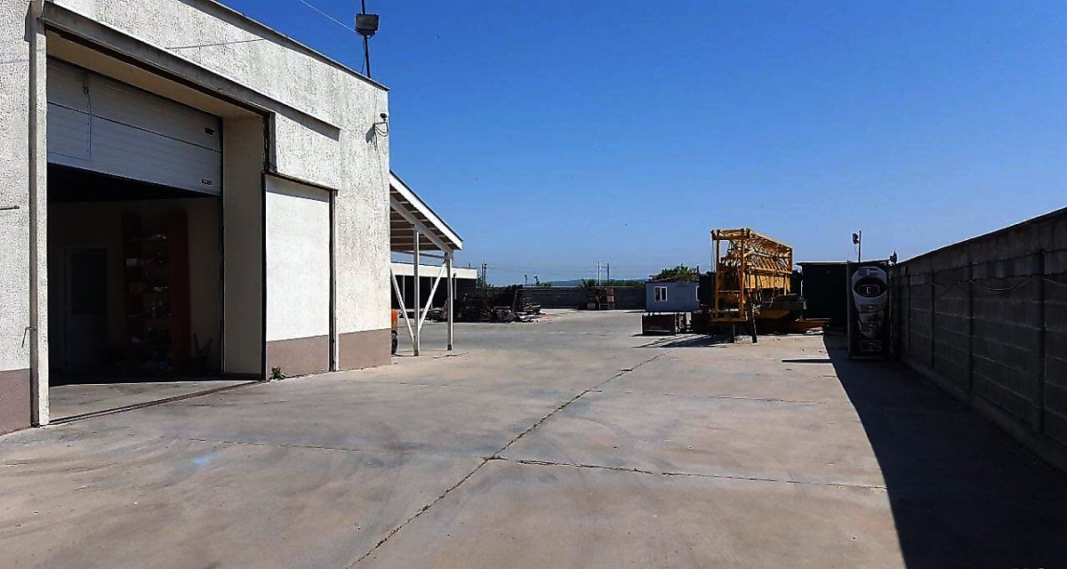 For Sale: Warehouse