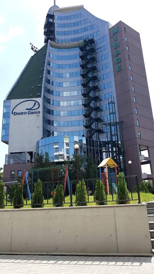 Продава: Паркомясто в нова луксозна сграда в ж.к. Славейков