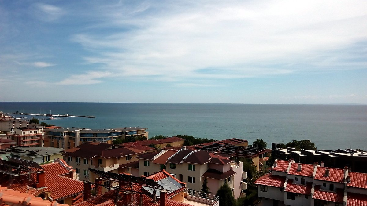 For Rent: Amazing two-bedroom apartment with sea view