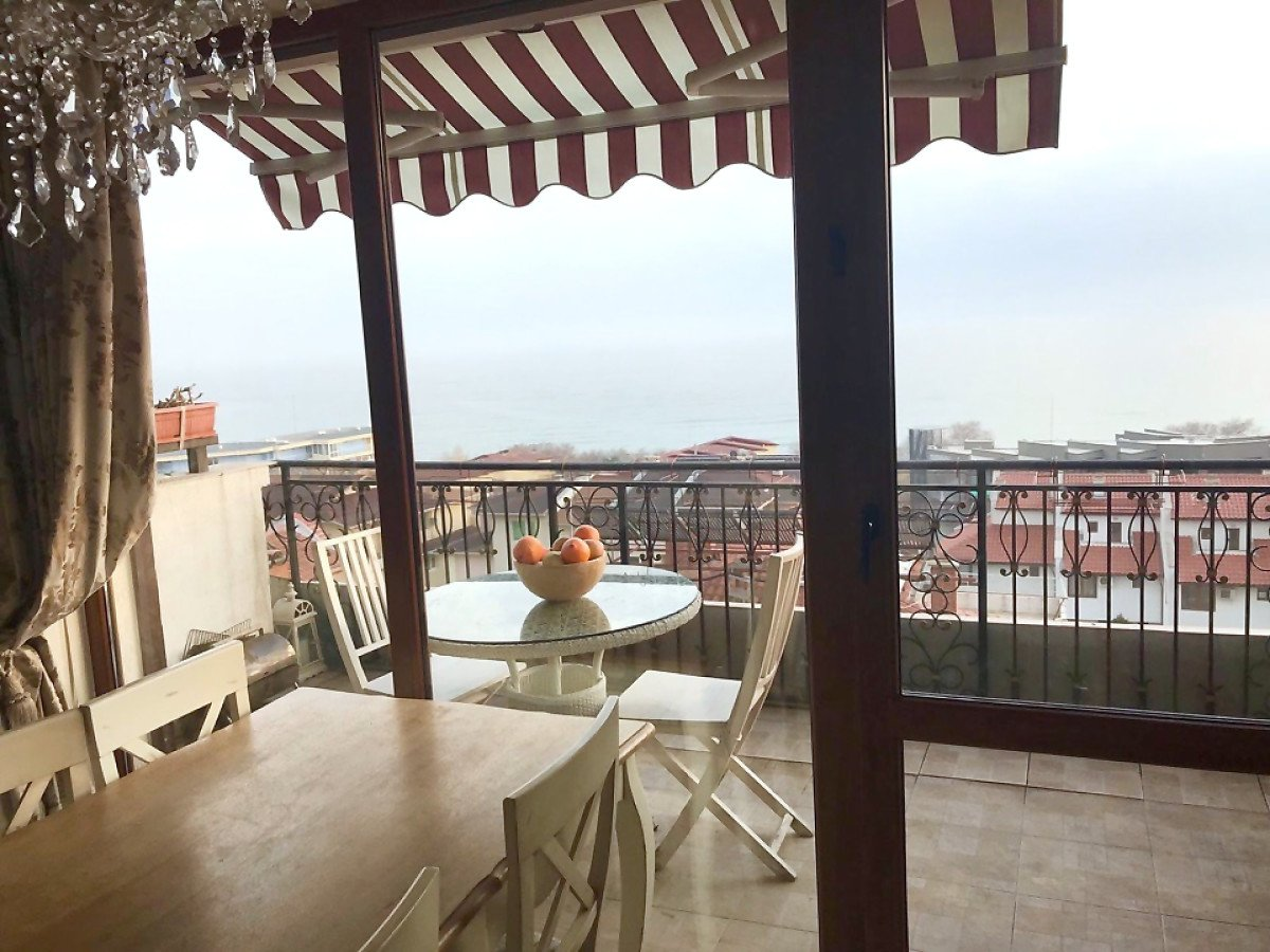 Продажа: Двухэтажная квартира в 150 м. от моря