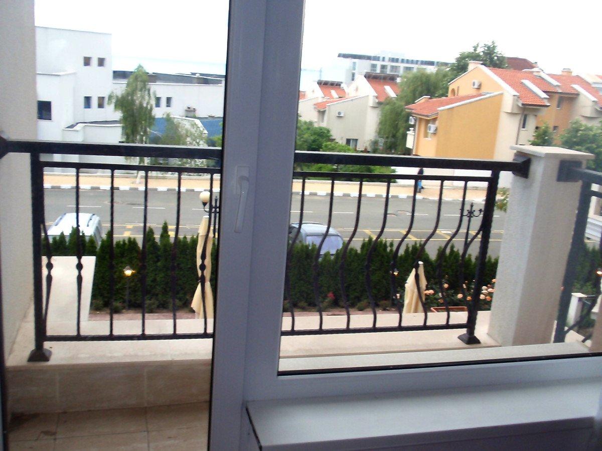 Под наем: Прекрасен апартамент с морска гледка, Свети Влас