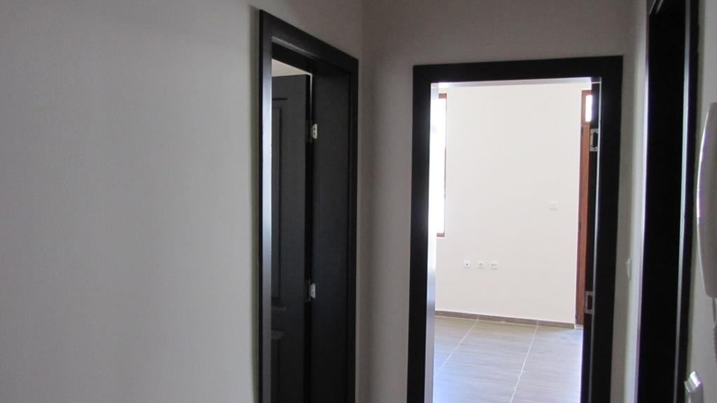 Продава: Апартамент с една спалня на първа линия море