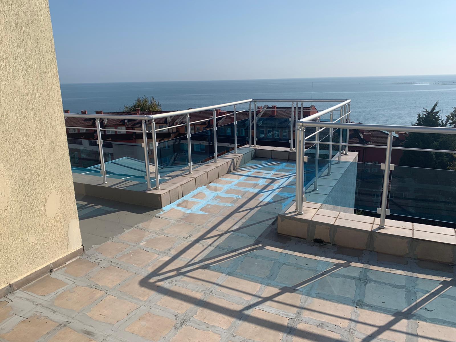 Продава: Пентхаус с гледка към морето и планината