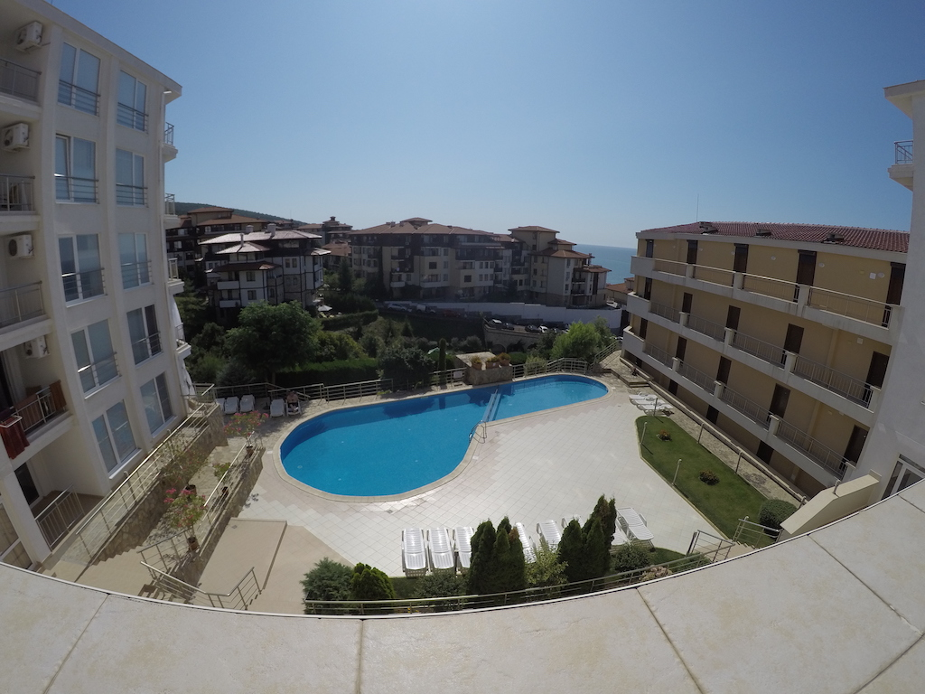 Продава: Апартамент в к-с ''Галатея'' с гледка към басейна и морето.