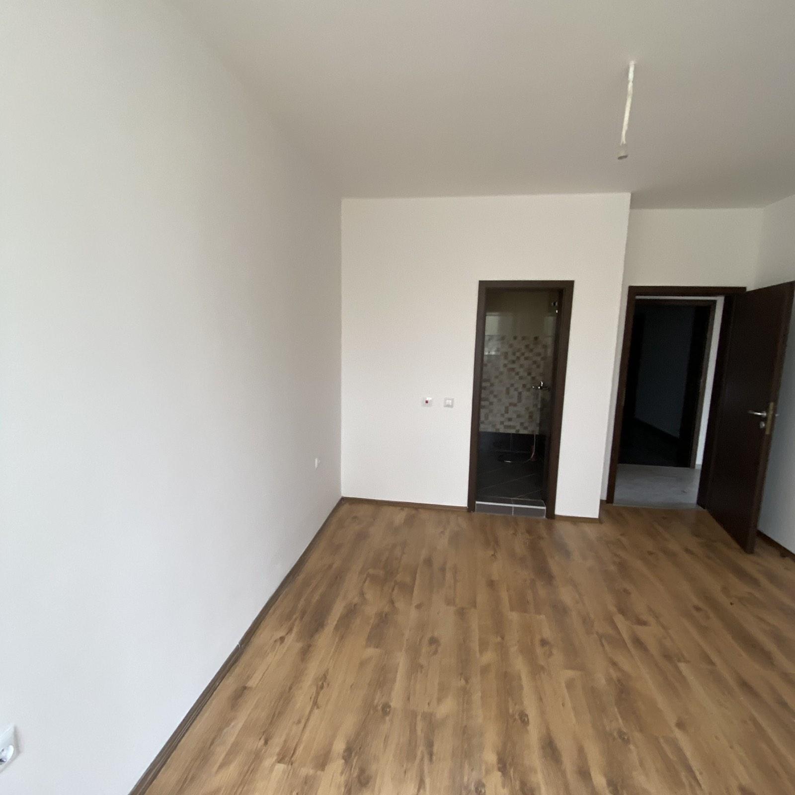 Продава: Тристаен апартамент на 300 метра от плажа в Слънчев Бряг