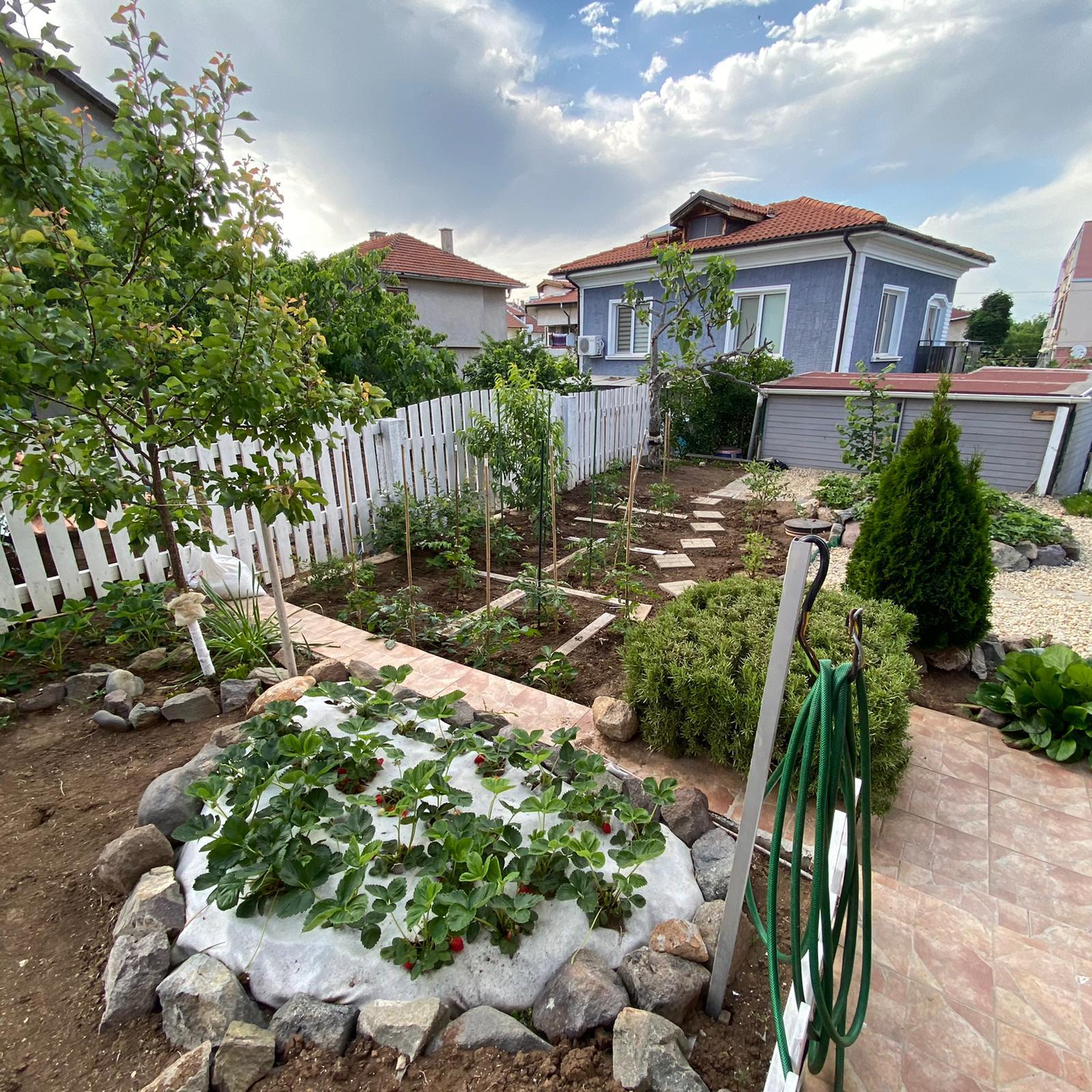 Продава: Уникална Двуетажна къща в Черноморец
