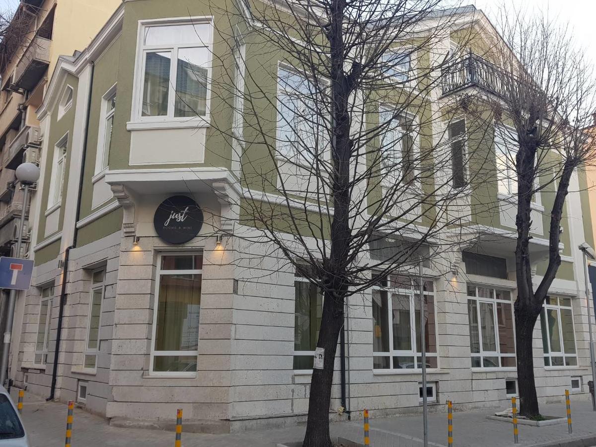 Продава: Прекрасен хотел за продажба