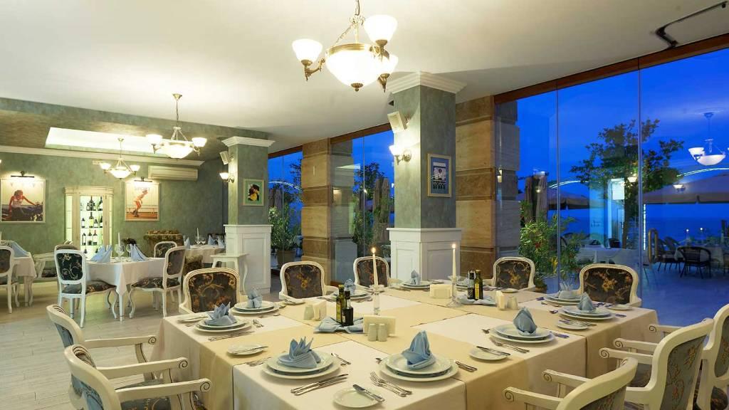 Продажа: Квартира в роскошном комплексе на первой линии моря