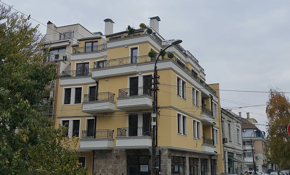 For Sale: Corner premises in a luxury building in the center of Burgas