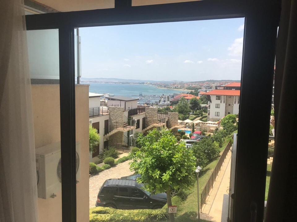 Продажа: Двухкомнатная квартира с уникальным видом на море