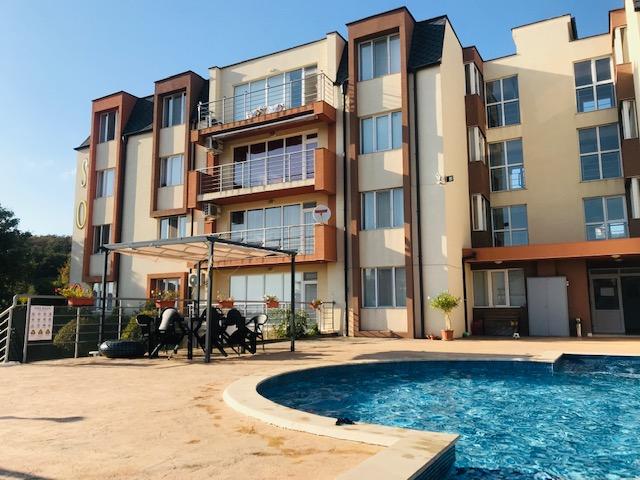 Продава: Отличен тристаен апартамент