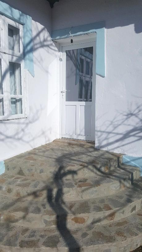 Продава: Къща в село, близо до Добрич