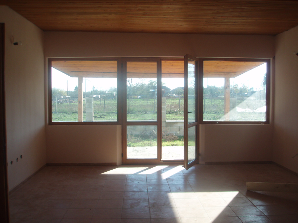 Продава: Нова къща в с. Селце