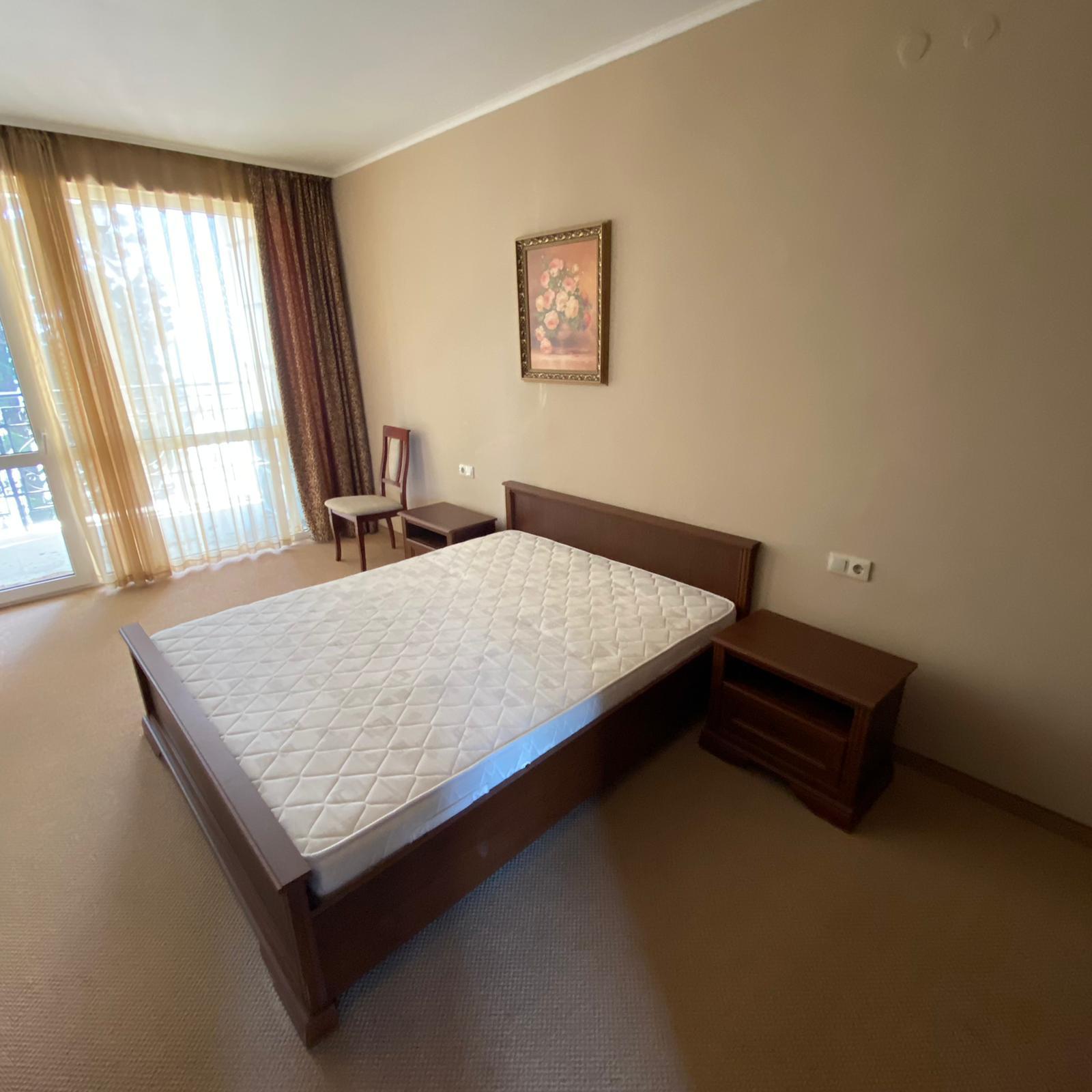 Продава: Апартамент в Поморие, на брега на морето.